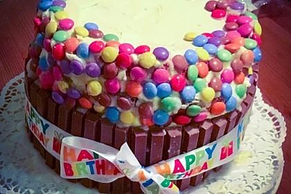 Bunter Kit-Kat-Geburtstagskuchen mit Frischkäsecreme 19