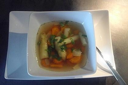 Gemüsebrühe, klar und sehr fettarm, ein Grundrezept 10
