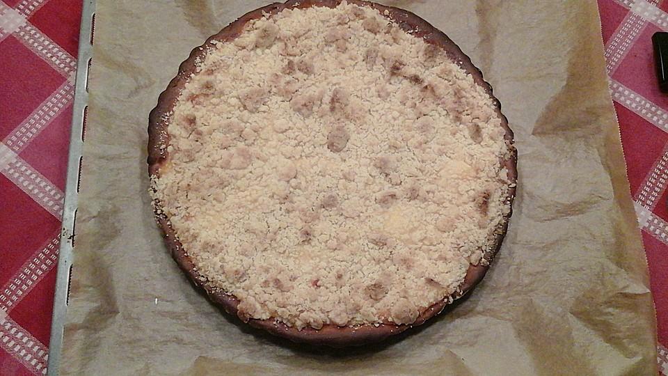 hefekuchen gef llt mit vanillepudding und streuseln rezept mit bild. Black Bedroom Furniture Sets. Home Design Ideas