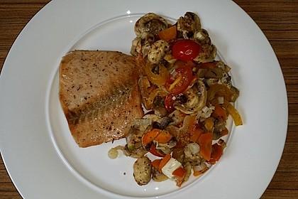 Low Carb Lachs mit Ofengemüse 77
