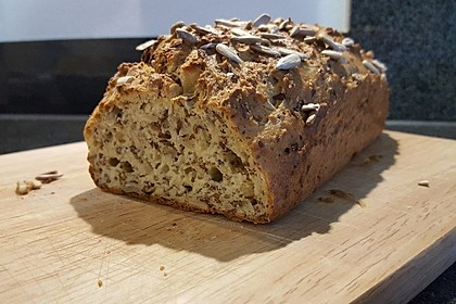 Low-Carb Brot mit Sonnenblumenkernen 10