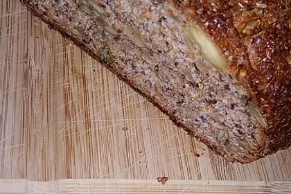 Low-Carb Brot mit Sonnenblumenkernen 70