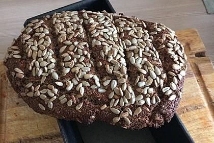 Low-Carb Brot mit Sonnenblumenkernen 17