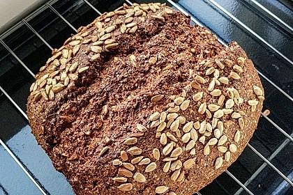 Low-Carb Brot mit Sonnenblumenkernen 31