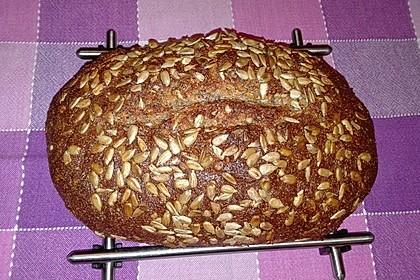 Low-Carb Brot mit Sonnenblumenkernen 18