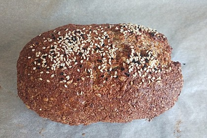 Low-Carb Brot mit Sonnenblumenkernen 52