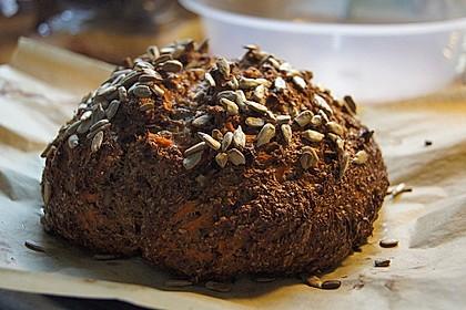 Low-Carb Brot mit Sonnenblumenkernen 2