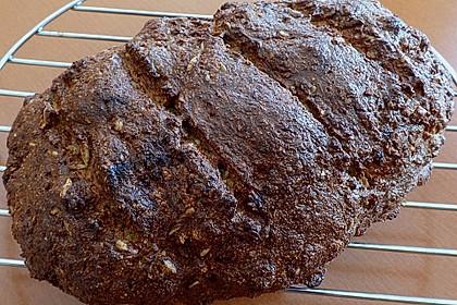 Low-Carb Brot mit Sonnenblumenkernen 83