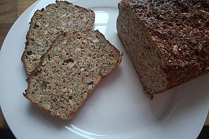 Low-Carb Brot mit Sonnenblumenkernen 27