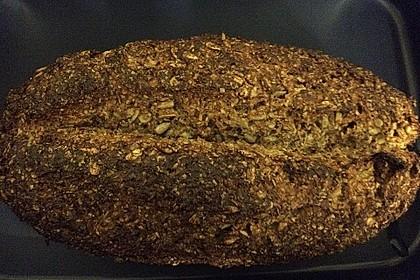 Low-Carb Brot mit Sonnenblumenkernen 91