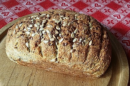 Low-Carb Brot mit Sonnenblumenkernen 7