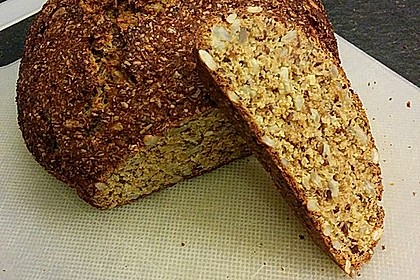 Low-Carb Brot mit Sonnenblumenkernen 60