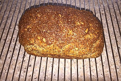 Low-Carb Brot mit Sonnenblumenkernen 94