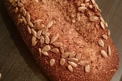 Low-Carb Brot mit Sonnenblumenkernen 22
