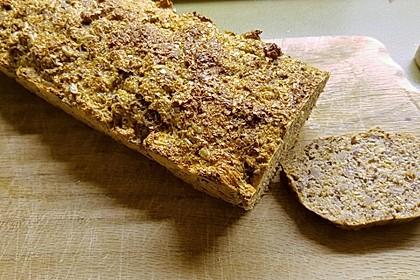 Low-Carb Brot mit Sonnenblumenkernen 45