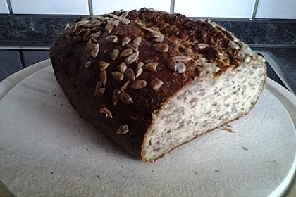 Low-Carb Brot mit Sonnenblumenkernen 54
