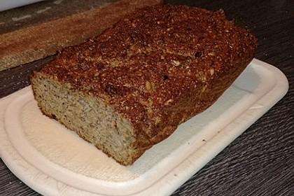 Low-Carb Brot mit Sonnenblumenkernen 59