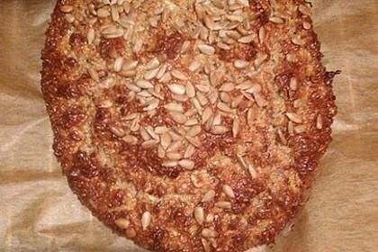 Low-Carb Brot mit Sonnenblumenkernen 90