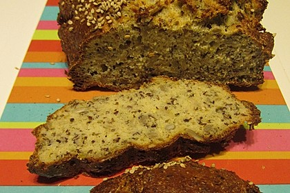 Low-Carb Brot mit Sonnenblumenkernen 97
