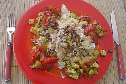 Avocadosalat mit Hähnchenbruststreifen in Zitronengrasdressing 4