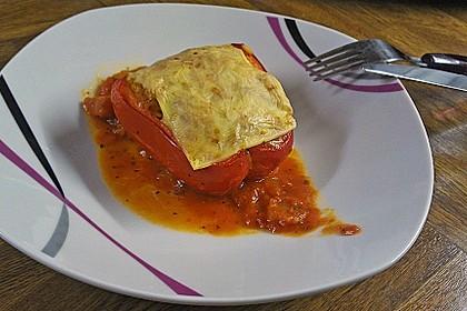 Gefüllte Paprika mit dreierlei Käse