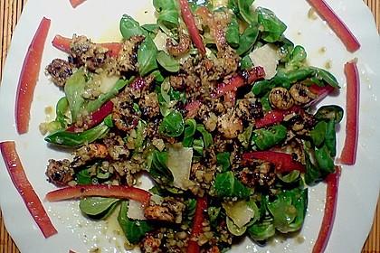 Gemischter Salat mit einem Honig - Walnussdressing und gebratenen Flusskrebsschwänzen 3