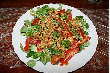 Gemischter Salat mit einem Honig - Walnussdressing und gebratenen Flusskrebsschwänzen 2