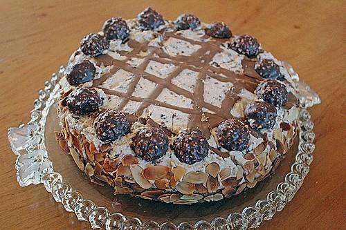 feine rocher torte rezept mit bild von kleene0408. Black Bedroom Furniture Sets. Home Design Ideas