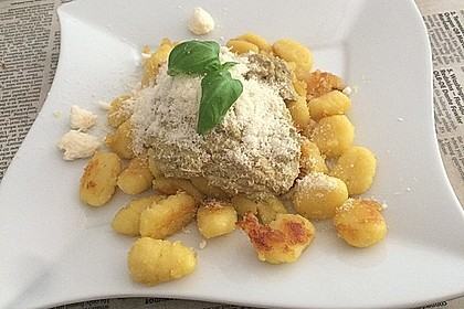 Gnocchi mit Avocado-Basilikum-Pesto 21
