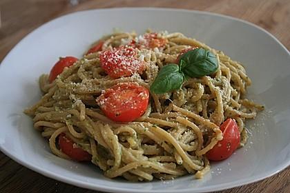 Gnocchi mit Avocado-Basilikum-Pesto 8