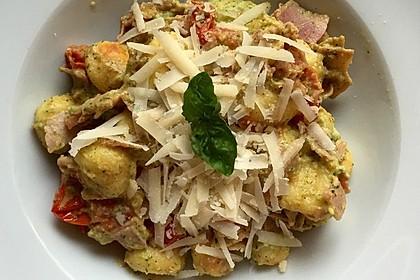 Gnocchi mit Avocado-Basilikum-Pesto 7