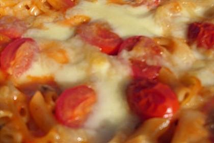 Vegetarischer Nudelauflauf mit Tomaten und Käse 1