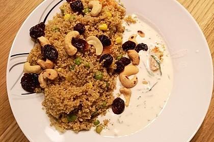 Gemüse-Couscous mit Nüssen und Joghurtsauce 1