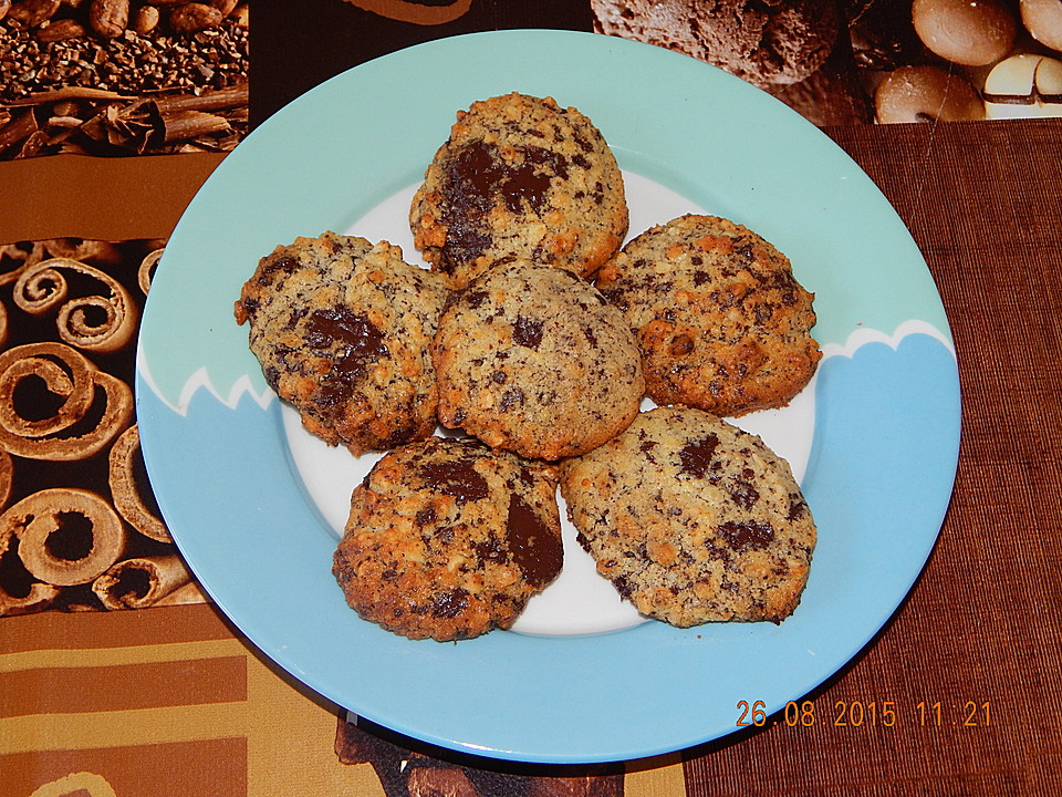 low carb chocolate chip cookies von turbobiene. Black Bedroom Furniture Sets. Home Design Ideas