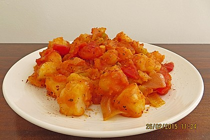 Scharfe Kartoffeln mit Gurke in Tomaten-Senf-Soße 1