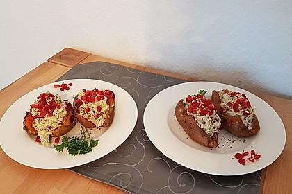 Gebackene Süßkartoffeln mit Avocado-Paprika-Creme 60