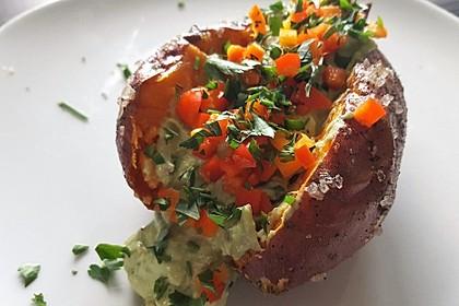Gebackene Süßkartoffeln mit Avocado-Paprika-Creme 14