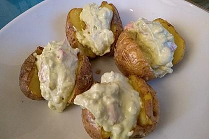 Gebackene Süßkartoffeln mit Avocado-Paprika-Creme 103