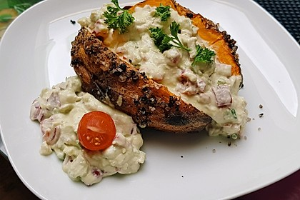 Gebackene Süßkartoffeln mit Avocado-Paprika-Creme 6