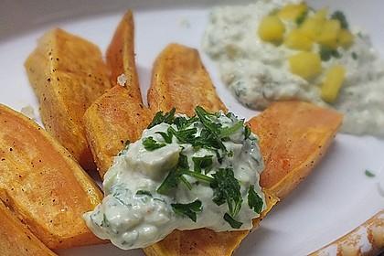 Gebackene Süßkartoffeln mit Avocado-Paprika-Creme 26