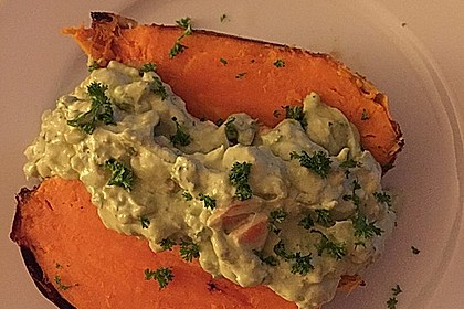 Gebackene Süßkartoffeln mit Avocado-Paprika-Creme 65