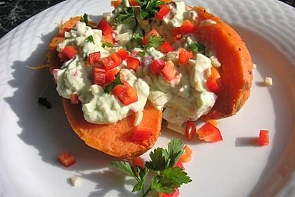 Gebackene Süßkartoffeln mit Avocado-Paprika-Creme 22