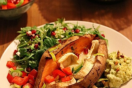 Gebackene Süßkartoffeln mit Avocado-Paprika-Creme 5