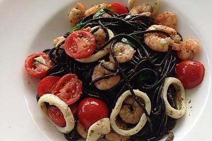 Spaghetti mit Gambas, getrockneten Tomaten und Rucola 1