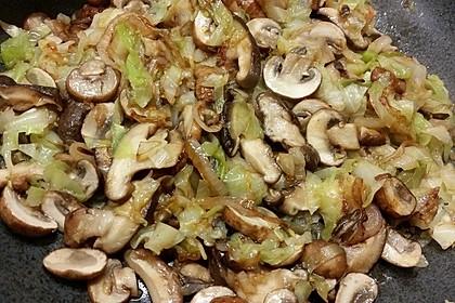 Gemüsepfanne mit Spitzkohl