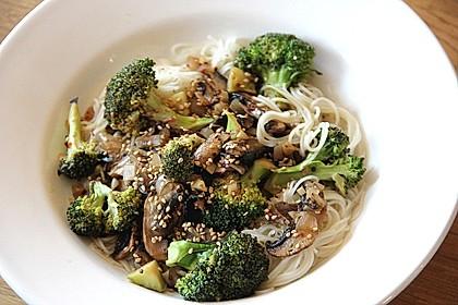 Stir fry mit Brokkoli und Pilzen 1