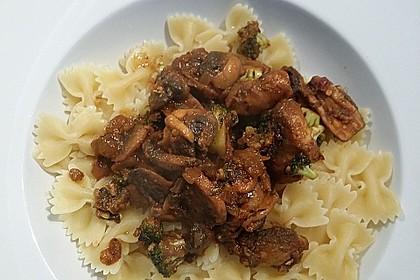 Champignons-Brokkoli-Thai-Currynudeln 5