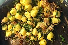 Gnocchi mit Speck und Rucola