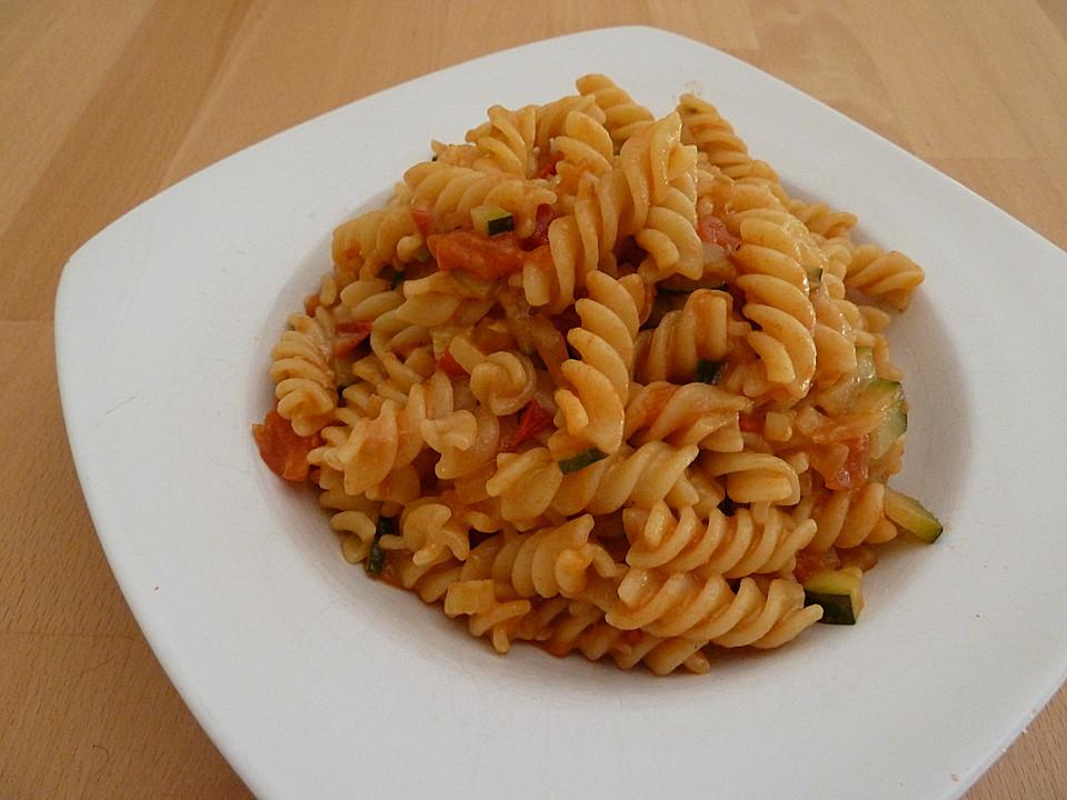 creamy pasta ohne sahne von lisakatharinaemilia. Black Bedroom Furniture Sets. Home Design Ideas