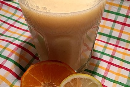 Orangen-Bananen-Buttermilch-Smoothie 4